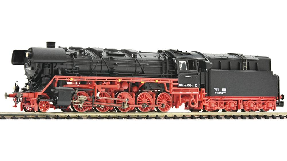 Locomotiva cu aburi, clasa 44.0, cu combustie de petrol, DR